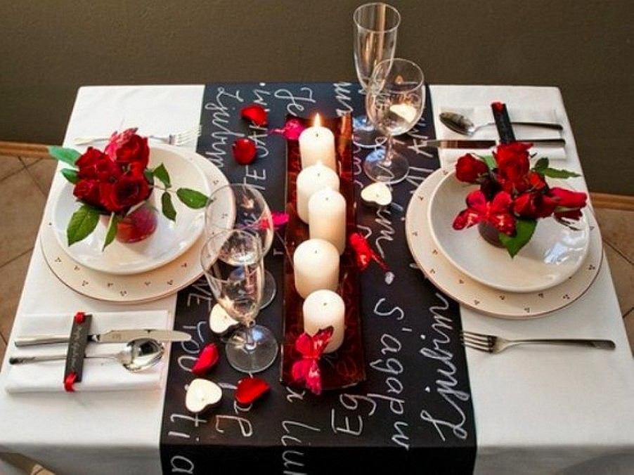 Сервировка стола на романтический ужин дома фото