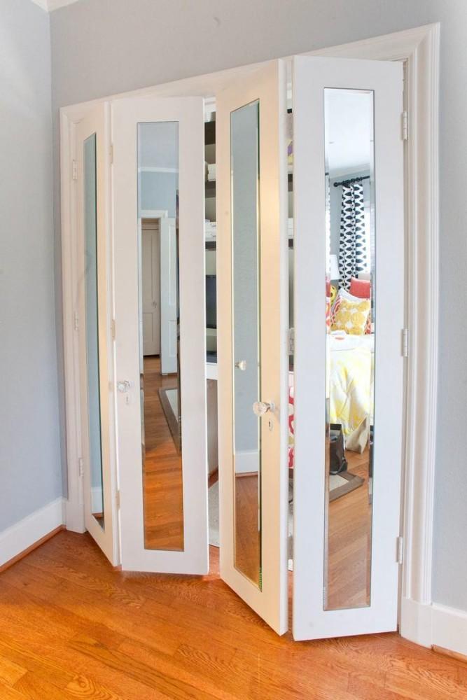 Распашные зеркальные двери своими руками