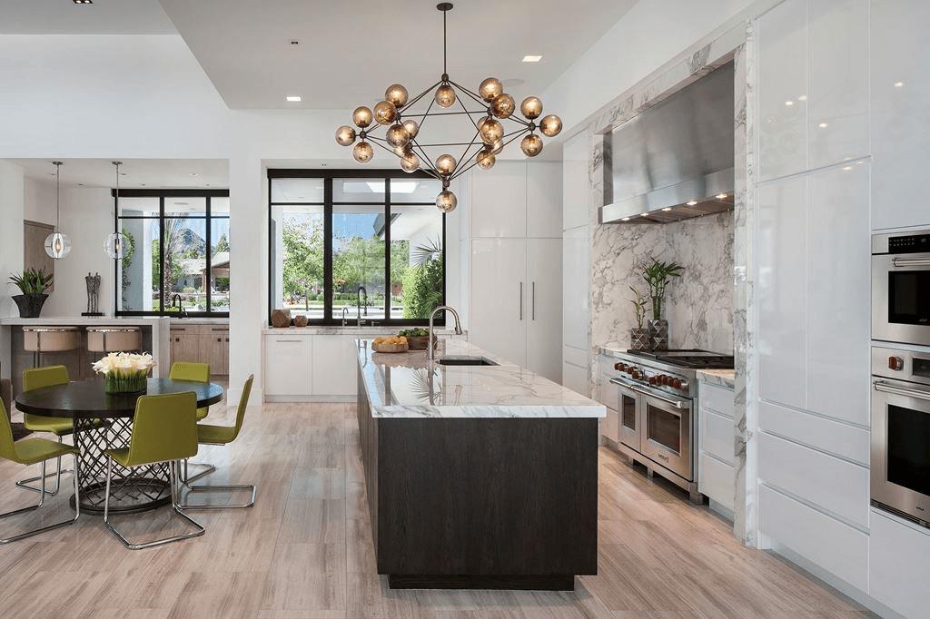 Beste interieurs met grote keukens
