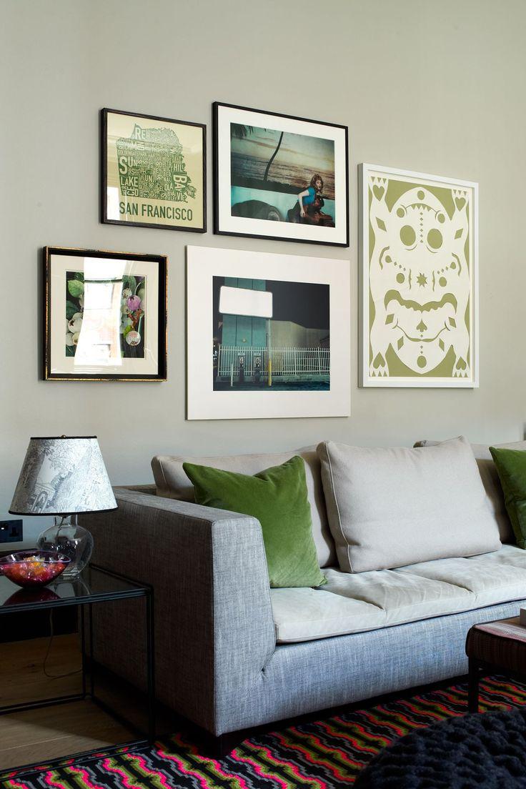 Расположение картин над диваном фото