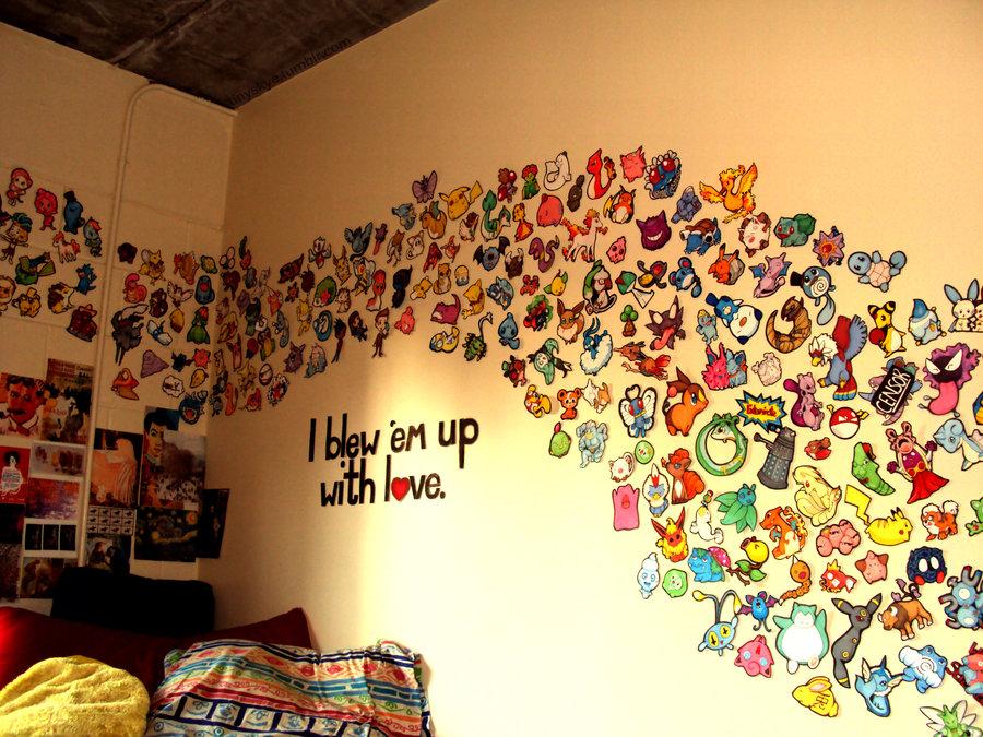 Плакат на стене рисовать